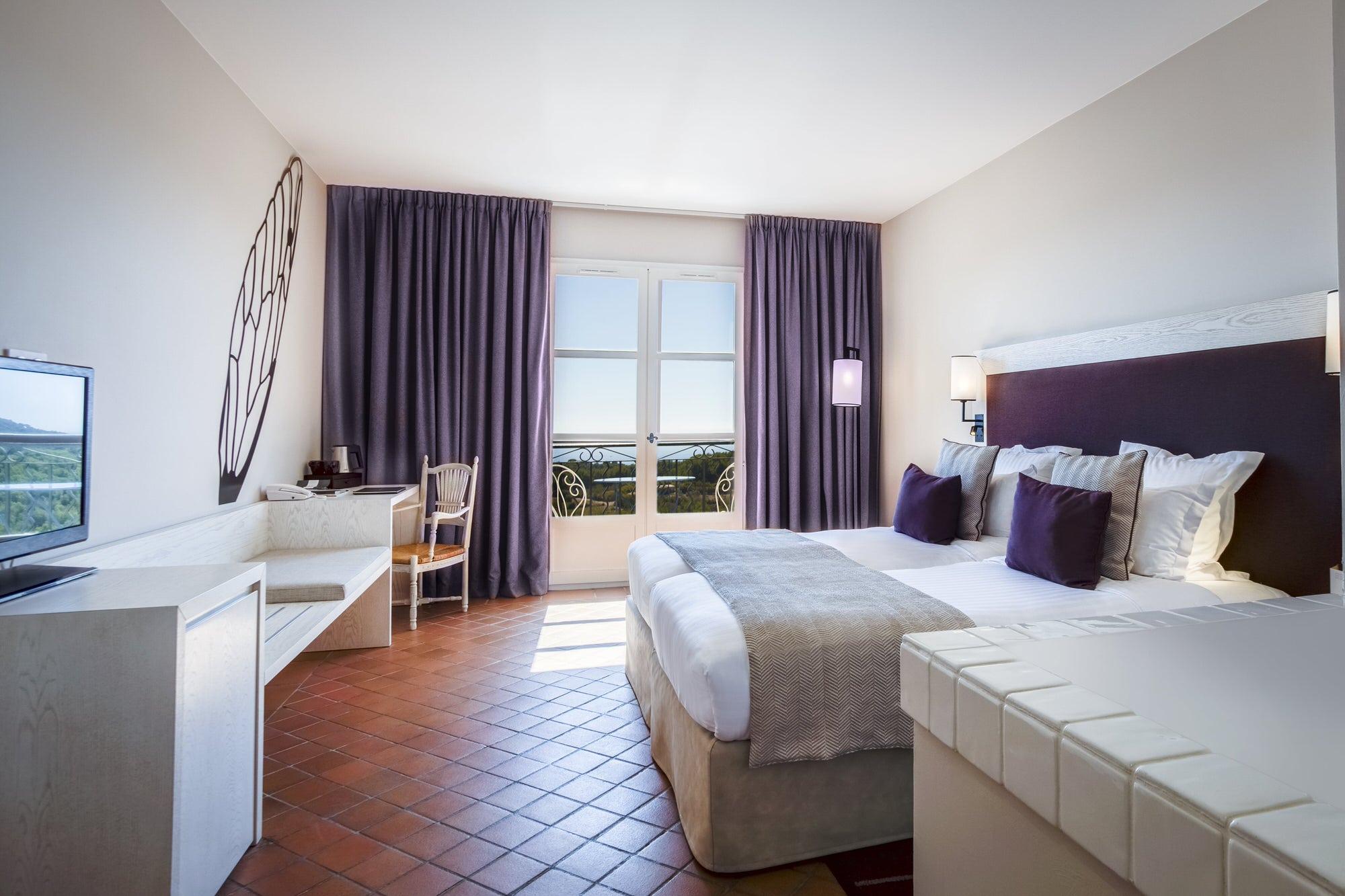 chambre d'hôtel au Dolce Fregate Provence. Vue de la chambre