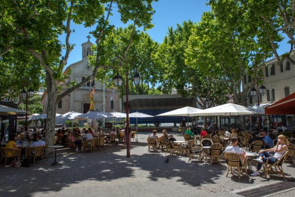 place_portalis_village_cafes