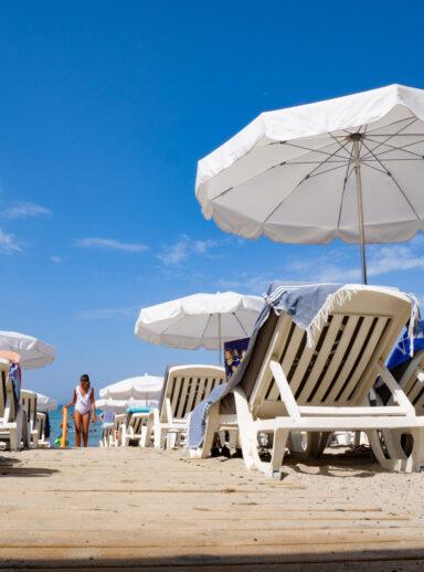 Rien de mieux qu'un transat parasol pour se détendre