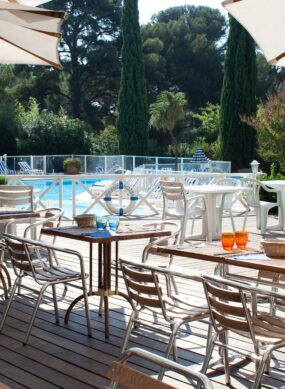 grand_hotel_les_lecques_restaurant_piscine