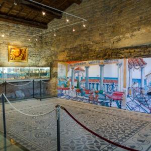 musée_de_tauroentum_vue_interieure_mosaiques_vitrines