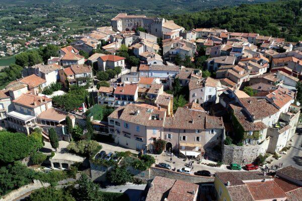 Le_village_du_Castellet